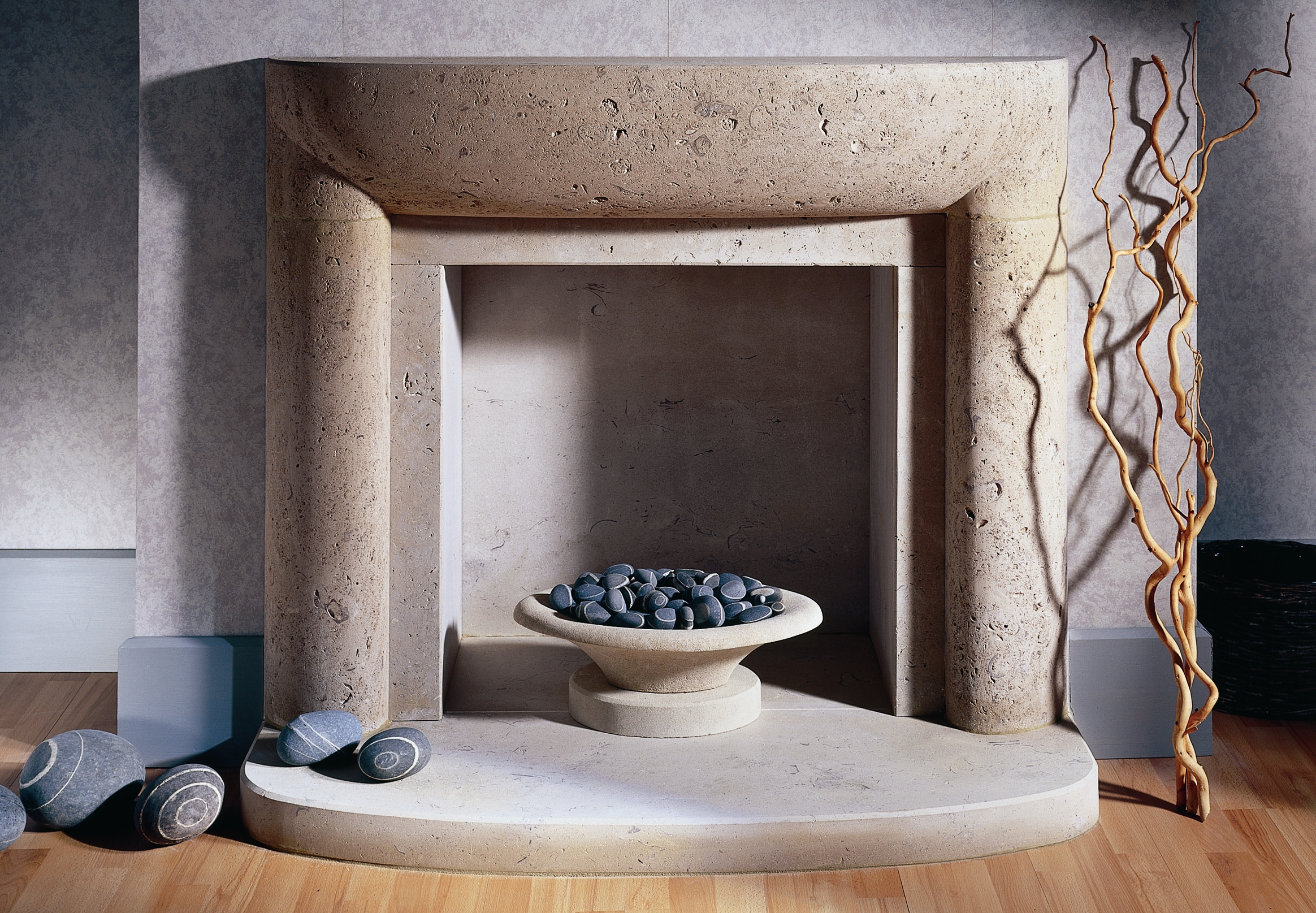 24. Curved Portland Roach stone fire surround with decorative bowl – Chelsea