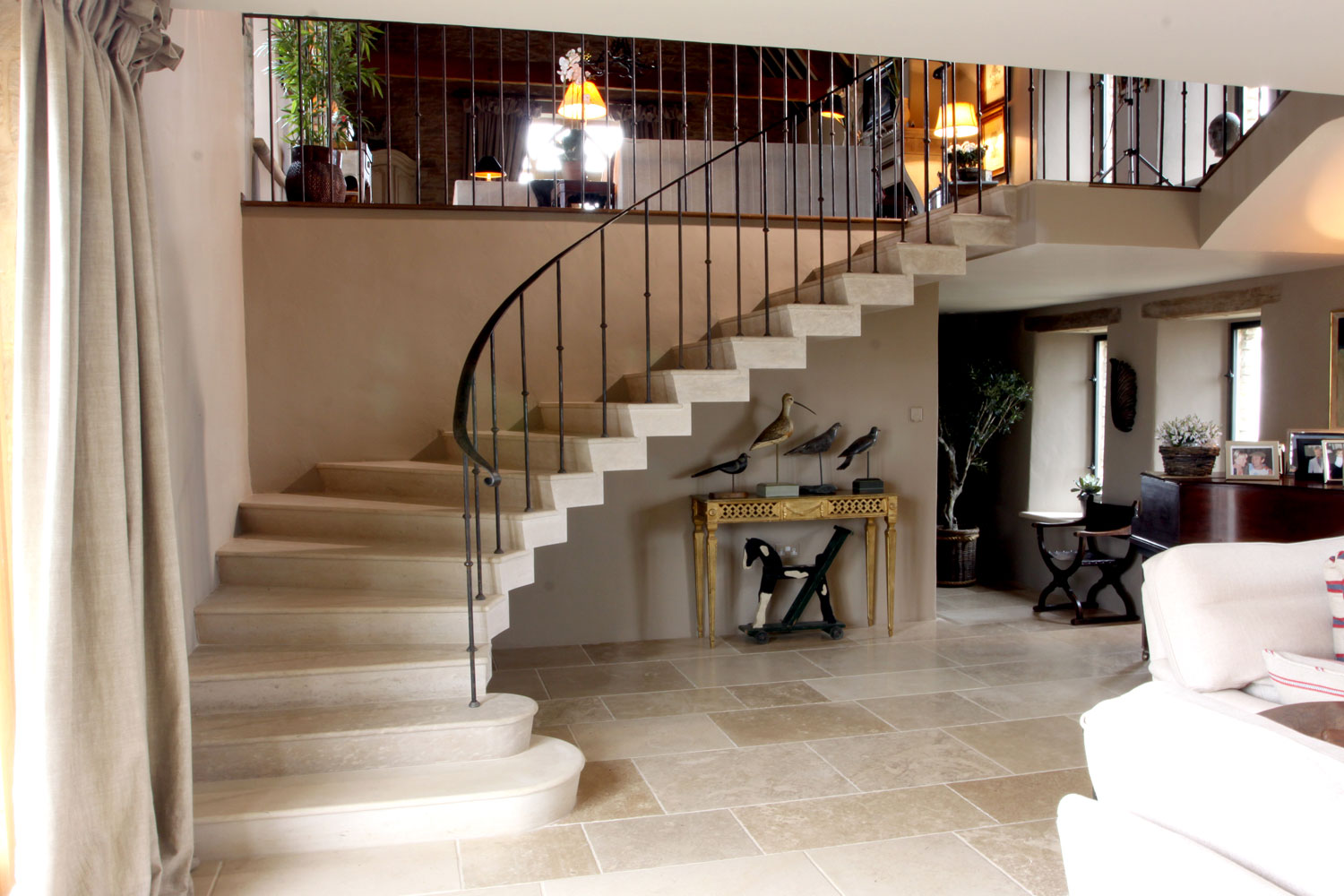1. Roche Marron, stepped soffit, stone staircase with matching flooring – Cotswolds