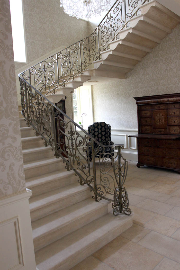Traditional Stone Cantilever Staircase