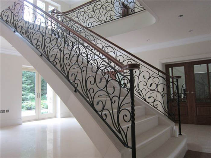 38. Moleanos stone staircase with decorative balustrade and walnut handrail – Tyneside