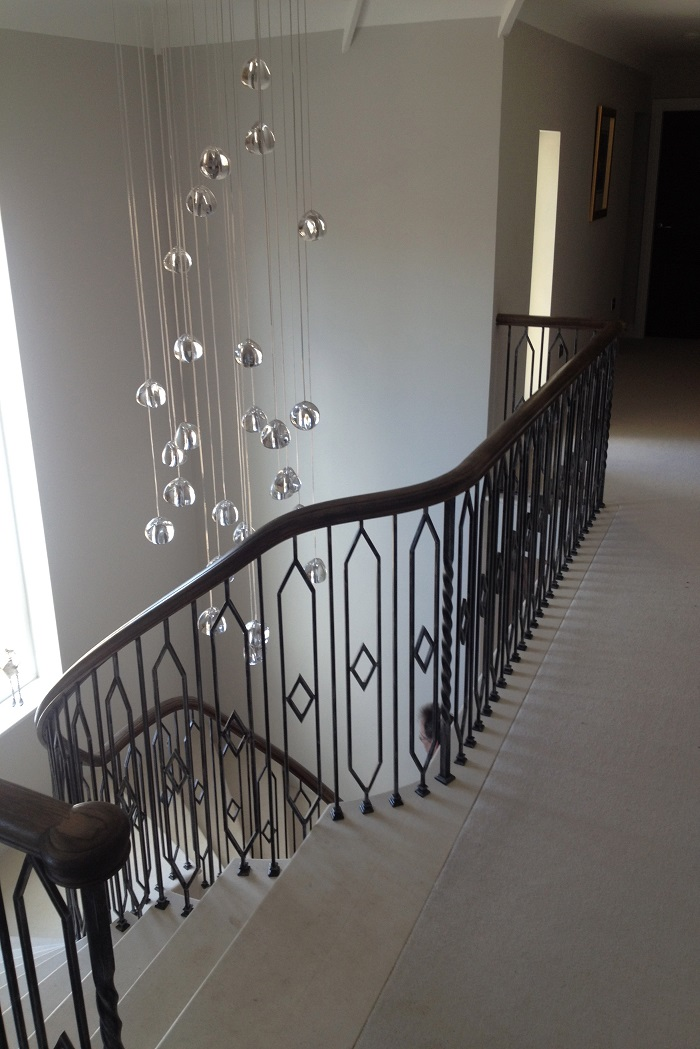 52. Cantilever Anstrude Staircase with in-flight landing and bespoke balustrade – Henley-on-Thames